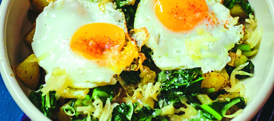 Breakfast eggs with spinach