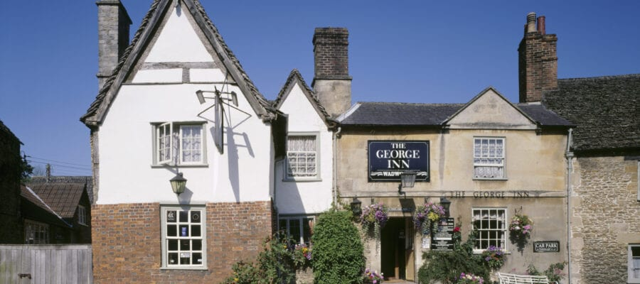 Discover beautiful Pub walks for summer with the National Trust
