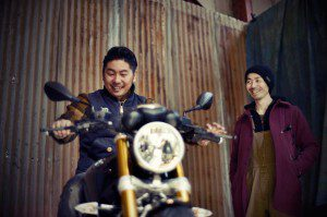 Goh-Takamine-tries-the-nineT-for-size-watched-by-Hideya-Togashi