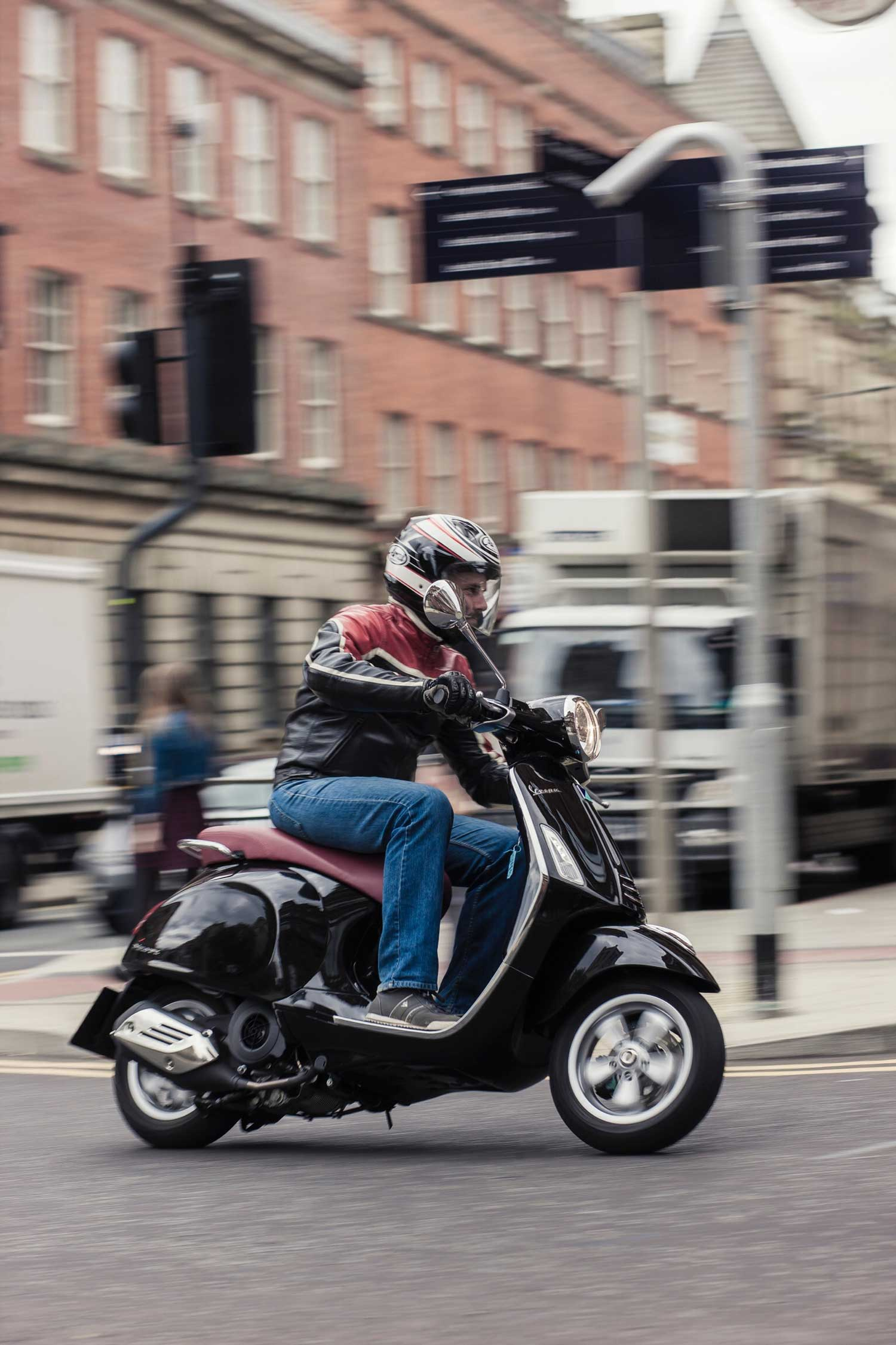 Commuting-city-scooter