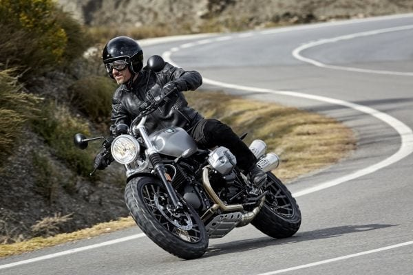 P90203094_lowRes_the-new-bmw-r-ninet- (1)