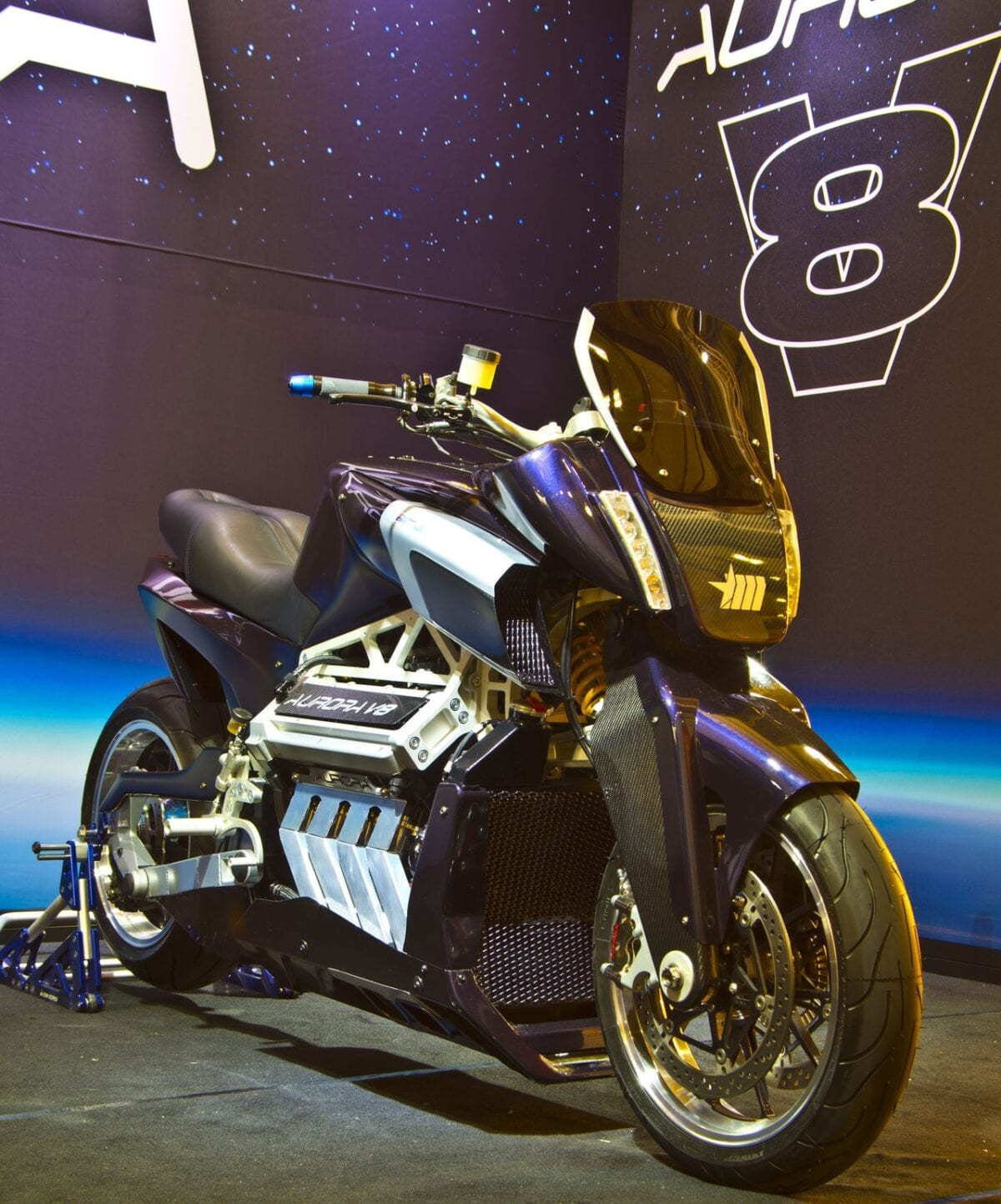 aurora-hellfire-oz26-v8-bike-packs-417-hp-and-319-nm-and-nothing-else-matters-photo-gallery_3