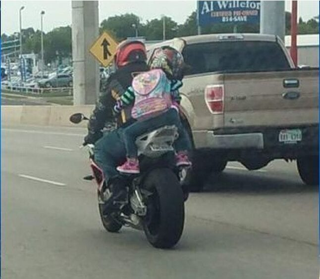 2016-04-27 15_40_35-Texas mom defends photo of daughter riding on back of motorcycle