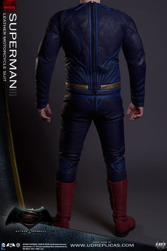 new-batman-and-superman-motorcycle-leathers-from-ud-replicas_18