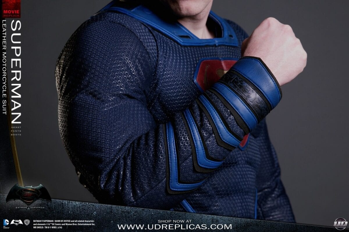 new-batman-and-superman-motorcycle-leathers-from-ud-replicas_19