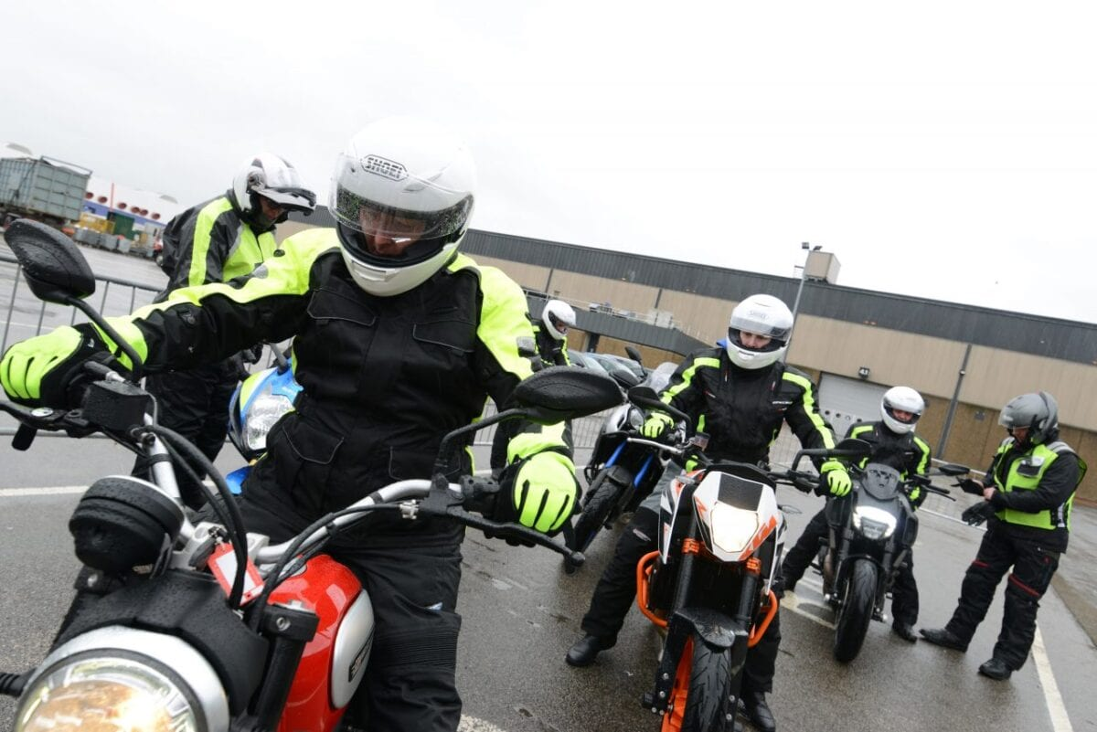 49_mcl15_test_ride-1280x854