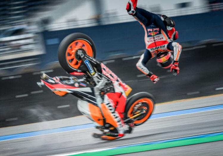 Ouch, that's gotta hurt. And it did. A lot. Hence Marc Marquez' operation to sort out the right shoulder in plenty of time for the Sepang test next February.