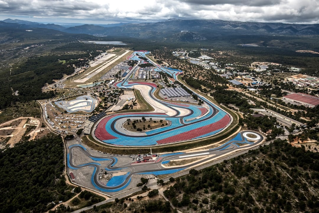 See that loooong straight coming at you from the right hand side of the circuit, that's the Mistral. it's awesome. And fast. GP motorcycles should always be tonking down here.
