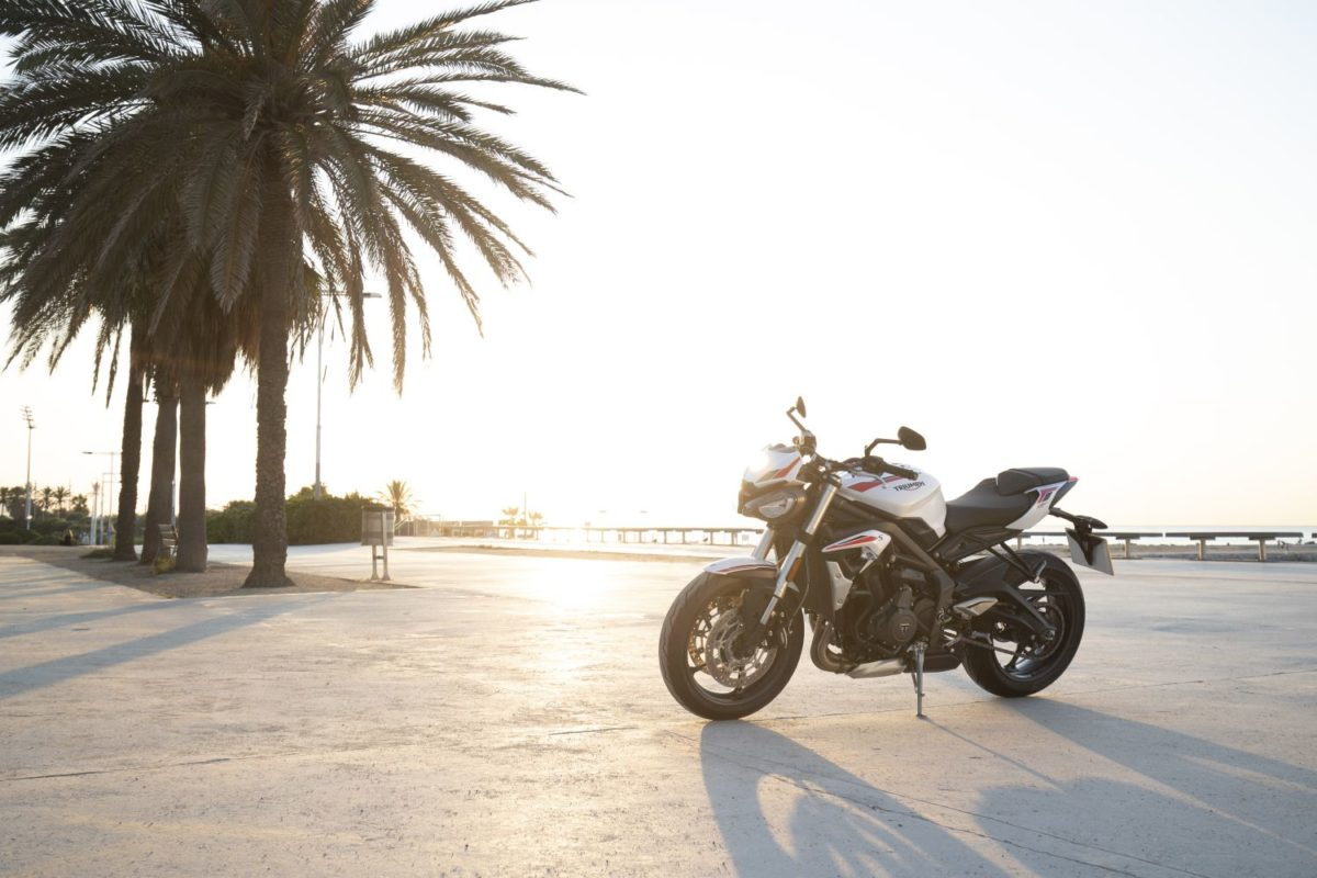 Everything YOU need to know about Triumph's NEW Street Triple S for 2020. FULL technical specifications, the OFFICIAL documents from the factory and a MEGA photo gallery.